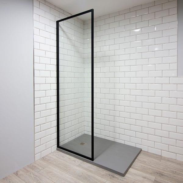 Inspirit shower screen in black