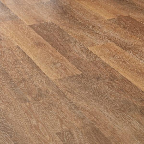 Karndean Knight Tile pale classic limed oak effect vinyl plank flooring surface detail