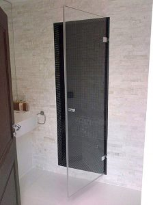 rigby-frameless-hinged-shower-door-1