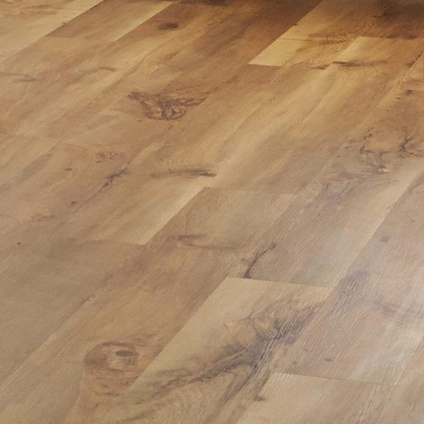Karndean Van Gogh Auckland Oak vinyl plank flooring detail