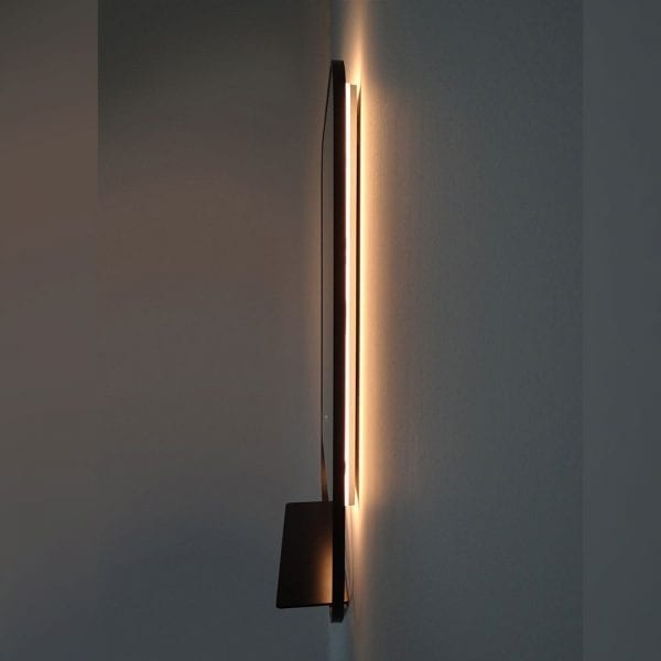 Black Luxxo 600x800mm Backlit Mirror side and ambient lighting detail