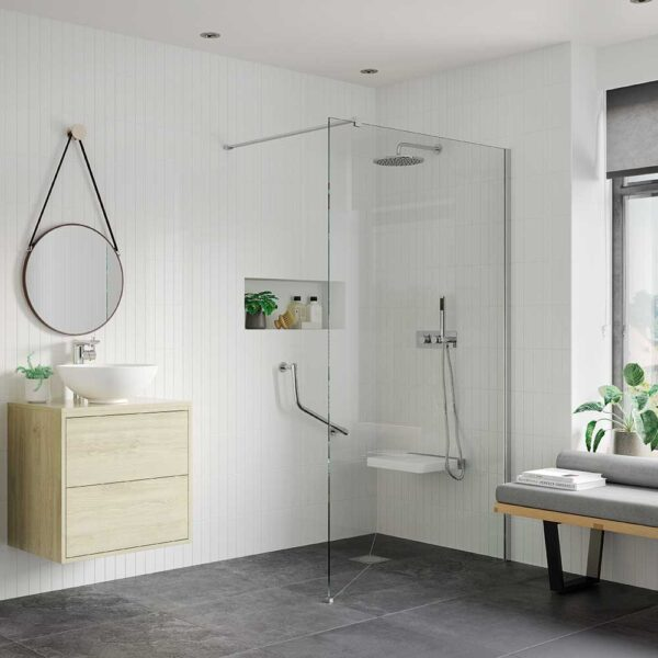 Large shower with Reflexion Iconix 8mm glass Wetroom Panel